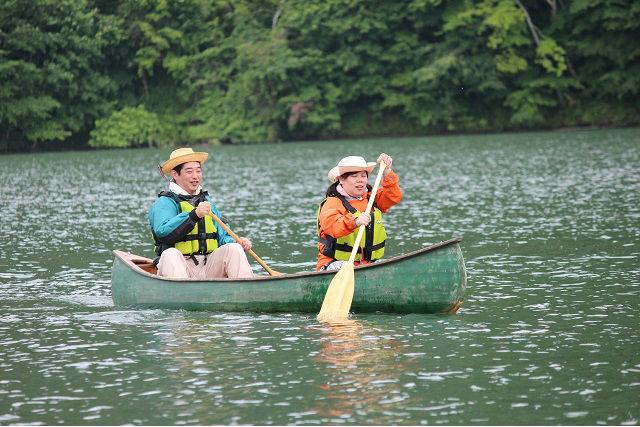 【北海道屈足湖・カヌー体験】午前午後を選べる。昼間のカナディアンカヌー体験!