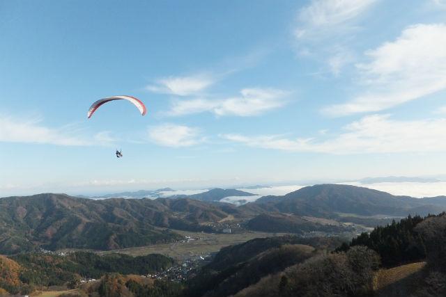 【兵庫・奥神鍋・パラグライダー】インストラクターと2人乗りで、上空530メートルへ!