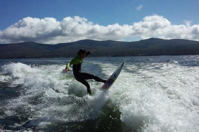 【山梨・山中湖・ウェイクサーフィン】思いっきり遊べて大満足!ぞんぶんプラン