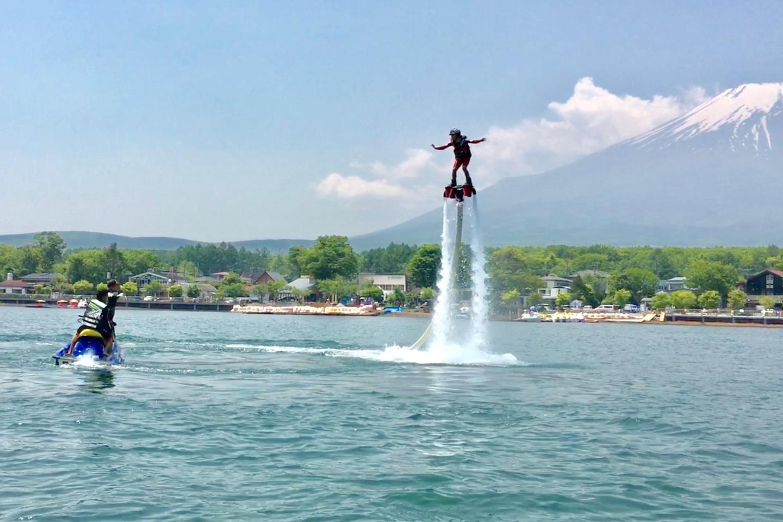 【山梨・山中湖・フライボード】高さ制限付きで安心、安全!初心者向け体験プラン