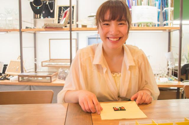 【東京・高円寺】ガラスプレートを使った雑貨作り(箸置きやアクセサリーなど・約30分)