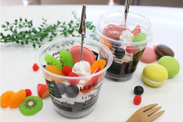 【大阪・食品サンプル体験】ふわふわクリームとフルーツをトッピング!ミニパフェ制作体験