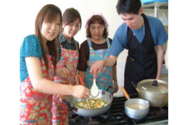 【沖縄・恩納・料理体験】沖縄の家庭料理を、アンマーと一緒につくろう!
