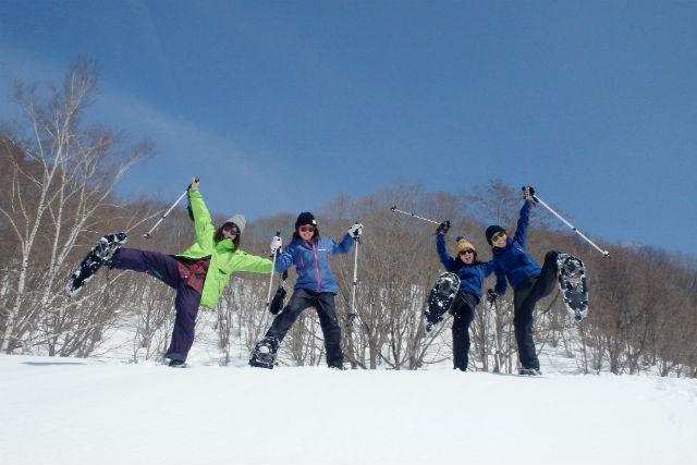 【群馬・みなかみ・スノーシュー】冬ならではの遊びがいっぱい!スノーシューツアー(1日)