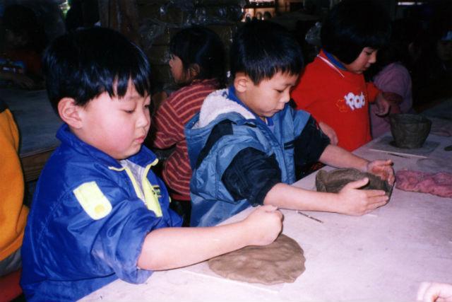 【青森・南部町・陶芸体験】夢いっぱいの創造体験!キャラクター陶芸もできる手びねりプラン
