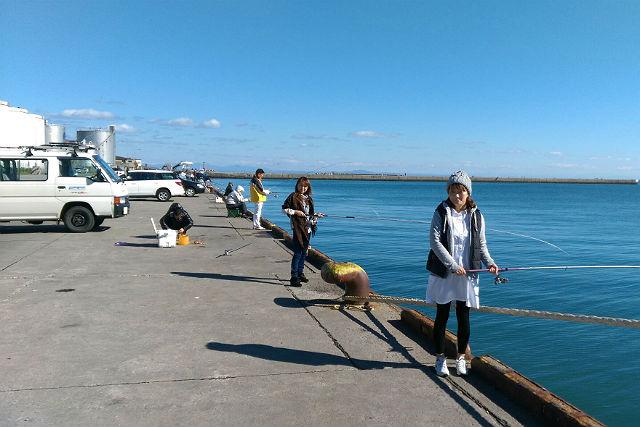 【札幌・石狩・釣り体験】札幌市内中心部ホテル、駅から送迎付!札幌から30分の石狩でお手軽海釣り体験ツアー