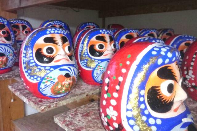 【宮城・仙台市・伝統工芸体験】仙台の縁起物!青いだるまに絵付けしよう