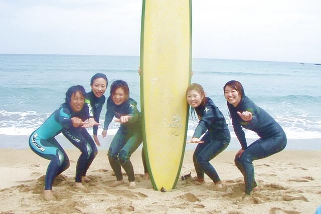 【宮崎県・サーフィン体験】マリンスポーツ初体験の方へのプラン登場♪スタッフサポートの安心サーフィン体験