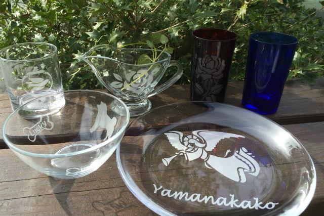 【山梨・山中湖・ガラス細工】ブラストは講師にお任せ!好きな模様をガラスに描こう!サンドブラスト体験