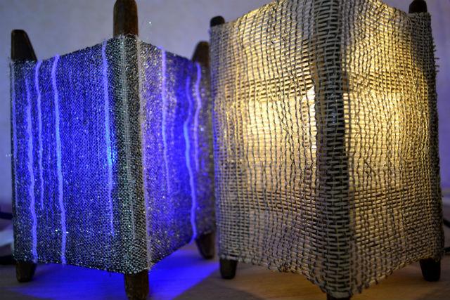 【京都・機織り体験】300色もの絹糸から選んで作れる、西陣織ランプシェード