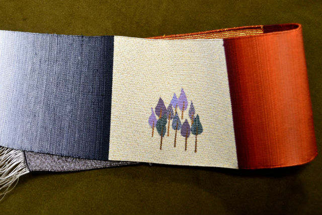 【京都・機織り体験】雅な絵柄を織り上げよう。本格的な綴織が体験できる1日体験