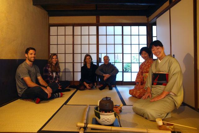 【京都・祇園・茶道】英語・日本語対応可能!グループ茶道体験