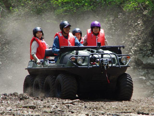 【広島・帝釈峡・バギー】スリル満点の水陸両用車に乗ろう!野性的なコースを走るバギー体験!
