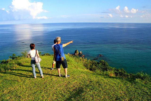 【沖縄・名護市・エコツアー】眼下に見えるのは、青の絶景!ジュゴンの見える丘へ!