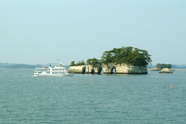 【塩釜-松島・クルージング】松尾芭蕉が感動し、伊達政宗も遊覧した!迫力満点、船の旅
