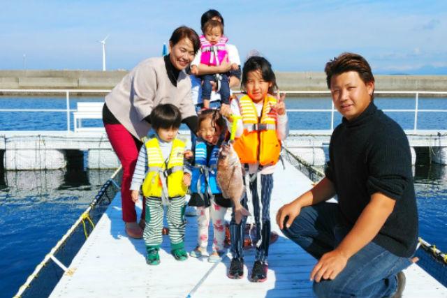 【熊本・天草・海釣り】初心者でもOK!手ぶらでできる海上釣り堀で釣り体験