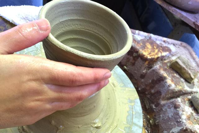 【宮城・登米・陶芸・電動ろくろ】手に伝わる土の触感を楽しもう!器2つが作れる陶芸体験
