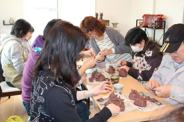 【宮城・登米  陶芸・手びねり】手にしっくりとくる陶器の温かさ。何でも自由に作れる手びねり体験