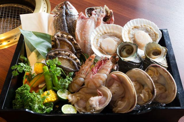 【兵庫・淡路島・BBQ】ひとりに1つアワビをご用意します!海鮮まんぷくプラン