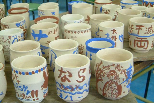 【奈良・陶芸】窯元ならでは!職人の仕事場見学もできる絵付け体験