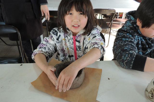 【栃木・益子町・手びねり】陶芸の都へようこそ!益子最大のショッピングギャラリーで陶芸体験!