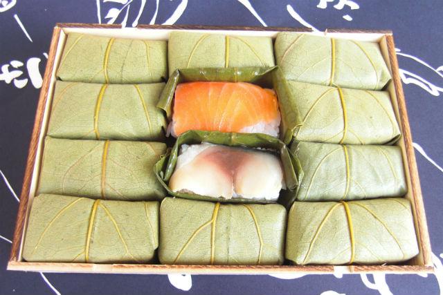 【奈良・天理市・料理体験】柿の葉ずしづくりを通して、奈良で食育!鯖&鮭12個入りプラン