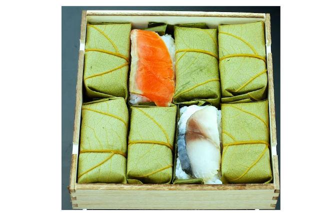 【奈良市・料理体験】ミニ映画を観て柿の葉ずしをつくろう!鯖&鮭・8個入りプラン