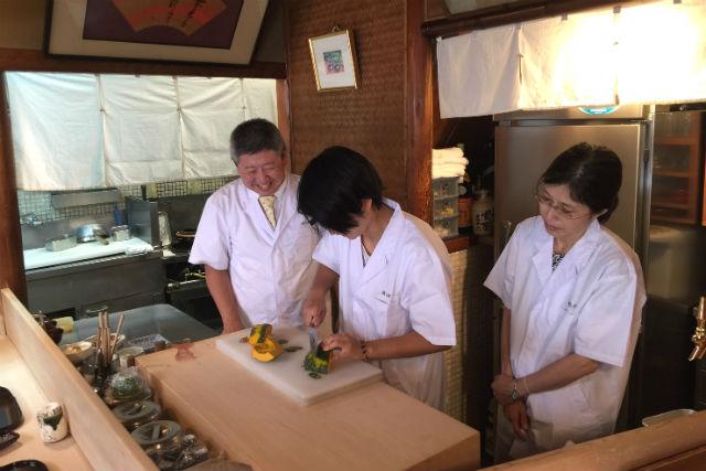 【京都・料理体験】好きな料理を1品選んでつくれる!プロの料理人と厨房に立とう