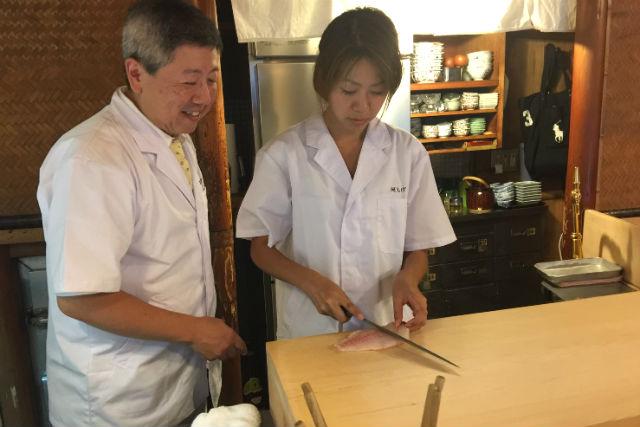 【京都・料理体験】コース料理付き!名店の厨房で料理&カウンターで食事を楽しもう