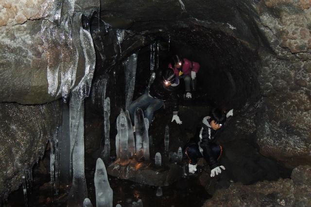 【静岡・富士山・エコツアー】ドライブ、観光ついでにサクッと冒険!富士山氷穴探険ツアー