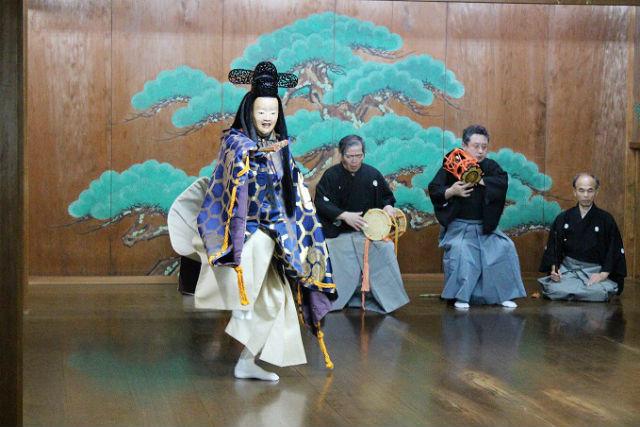 【福岡・伝統文化体験】650年の歴史を実感!日本の伝統演劇・能楽体験レッスン