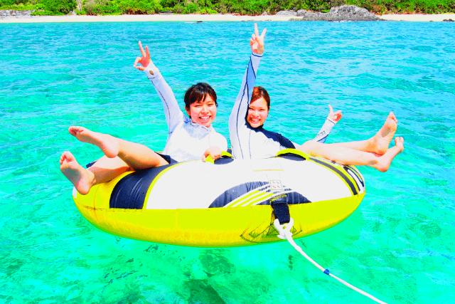 【沖縄・恩納村・水上バイク】3歳から遊べる!水上バイク&ドラゴンボート&トーイング1種類付きプラン