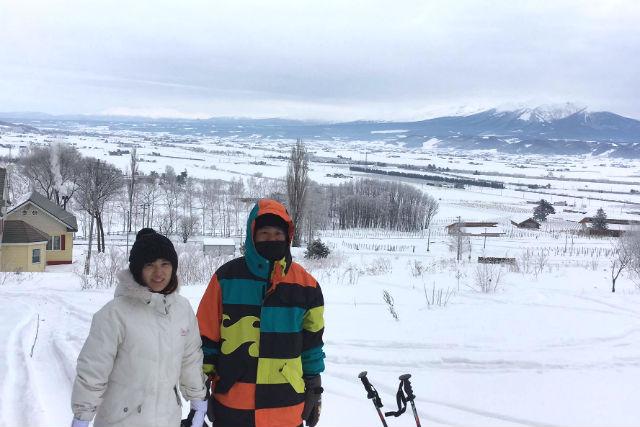 【北海道・富良野・スノーシュー】富良野の大地をいいとこ取りでご案内!おまかせスノーシューツアー