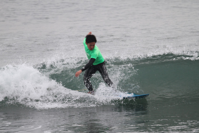 【宮城・仙台・サーフィン】いざテイクオフ!波に乗れる、初めてのサーフィン体験