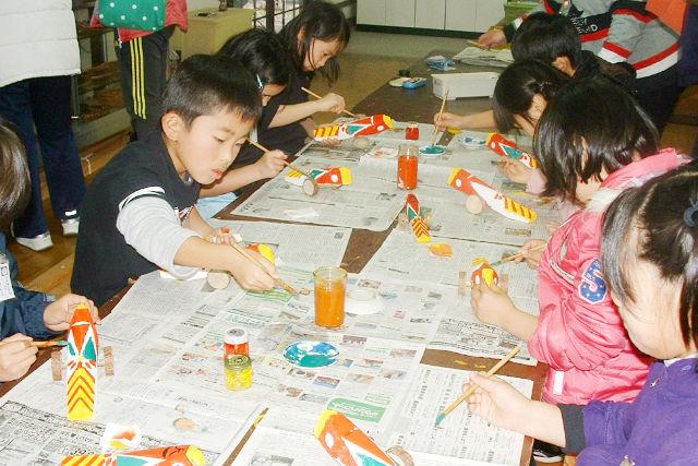 【熊本・伝統工芸体験】日本遺産・人吉球磨の郷土玩具をつくろう!きじ馬・絵付け体験