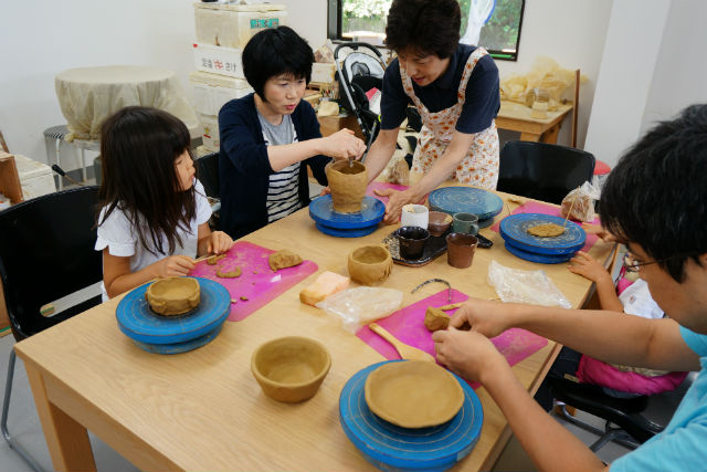 【徳島・陶芸体験】徳島の歴史ある器を、快適な工房で手作り!手びねりコース