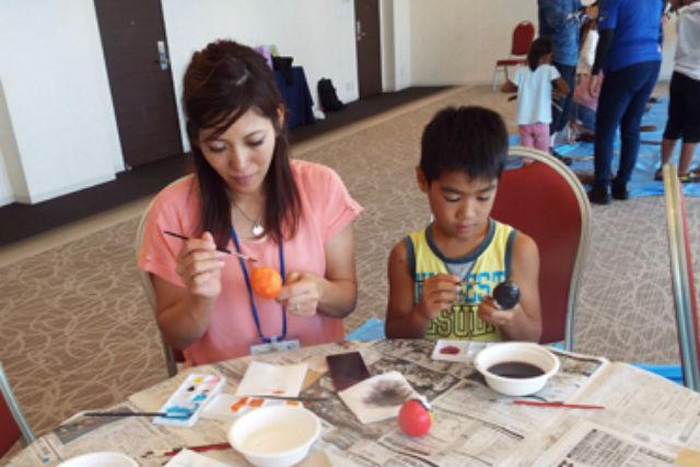 【沖縄・伝統文化体験】かわいい伝統のおもちゃを作ろう!5歳から参加OKの、糸満ハリコ絵付け体験