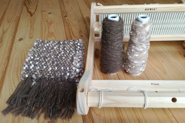 【神奈川・鎌倉・機織り】七里ヶ浜駅から徒歩2分!卓上織り機でマフラーを織ろう