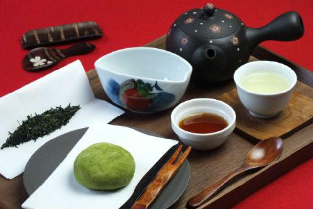 【東京・浅草・茶道】3種類の日本茶を飲み比べ!宇治の高級茶葉を堪能(甘味付き)