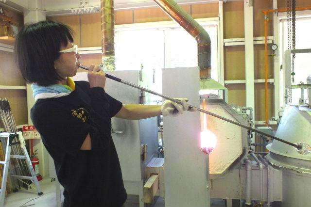 【岐阜・多治見・吹きガラス】吹きガラスでグラス・一輪挿し・小鉢などが作れます!
