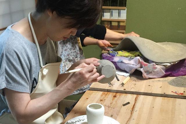 【福井・陶芸体験】食器も造形作品も自由につくれる!手びねり陶芸コース