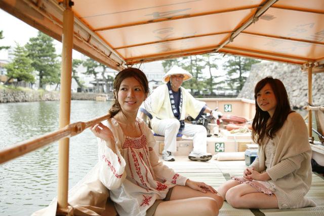 【島根・松江・ガイドツアー】松江城や堀川遊覧船も楽しめる!松江満足物語・オプション付きコース