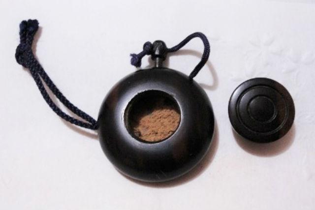 【東京・世田谷・伝統文化体験】和の香りのボディパウダー!塗香を作ろう