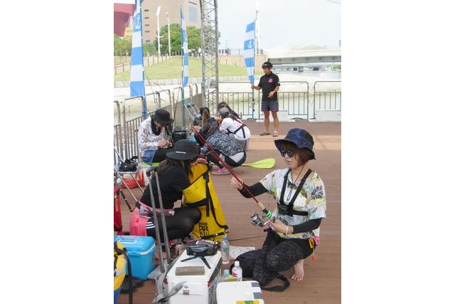勝山公園大芝生広場横 水上ステージ