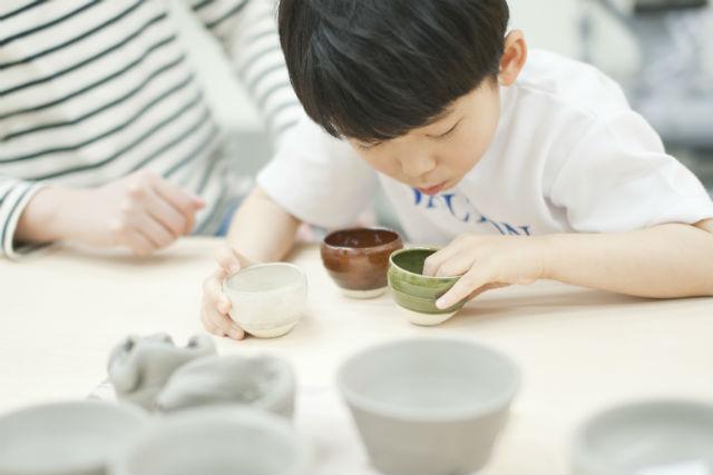 【岐阜・土岐市・陶芸】お絵かき感覚で楽しめる!陶器の絵付け体験