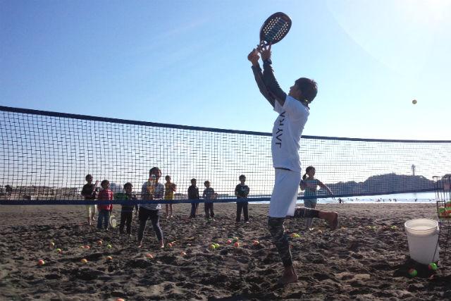 【神奈川・藤沢市・ビーチテニス】平日限定!砂浜で爽やかに汗を流そう!ビーチテニス体験