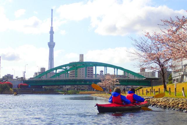 【東京・墨田区・カヌー】川の上からスカイツリーを見よう!カヌーツアー