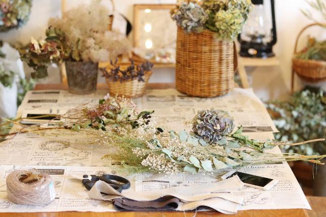 【神奈川・川崎市・フラワーアレンジメント】お花で飾るインテリア!ドライフラワースワッグ