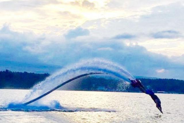 【山梨・山中湖・フライボード】初めてでも飛べる!フライボード体験コース(15分)