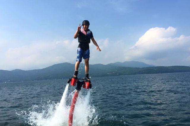 【山梨・山中湖・フライボード】もっと上手く飛びたい!!フライボード経験者コース(10分)